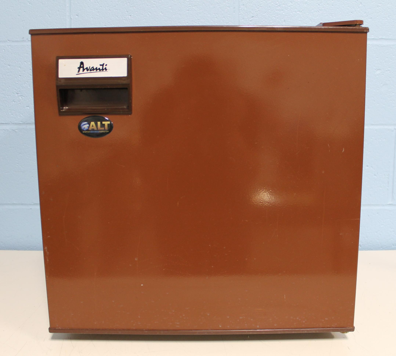 Avanti Refrigerator | 4.5 Cu Ft Refrigerator | Avanti Beverage Refrigerator
