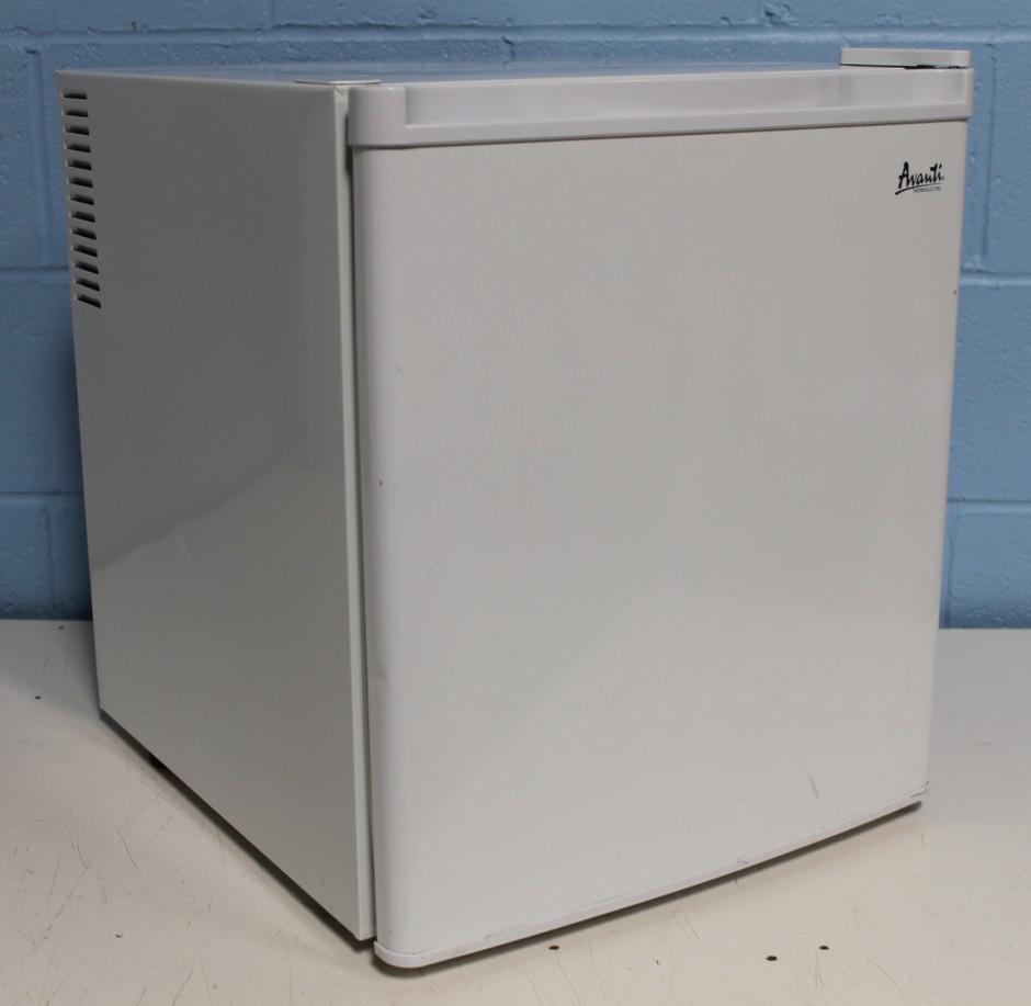 Avanti Refrigerator | Avanti Superconductor Refrigerator | Side By Side Freezer