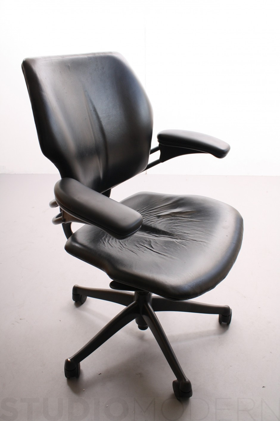 Humanscale Freedom Chair Review | Computer Task Chairs | Humanscale Freedom Chair