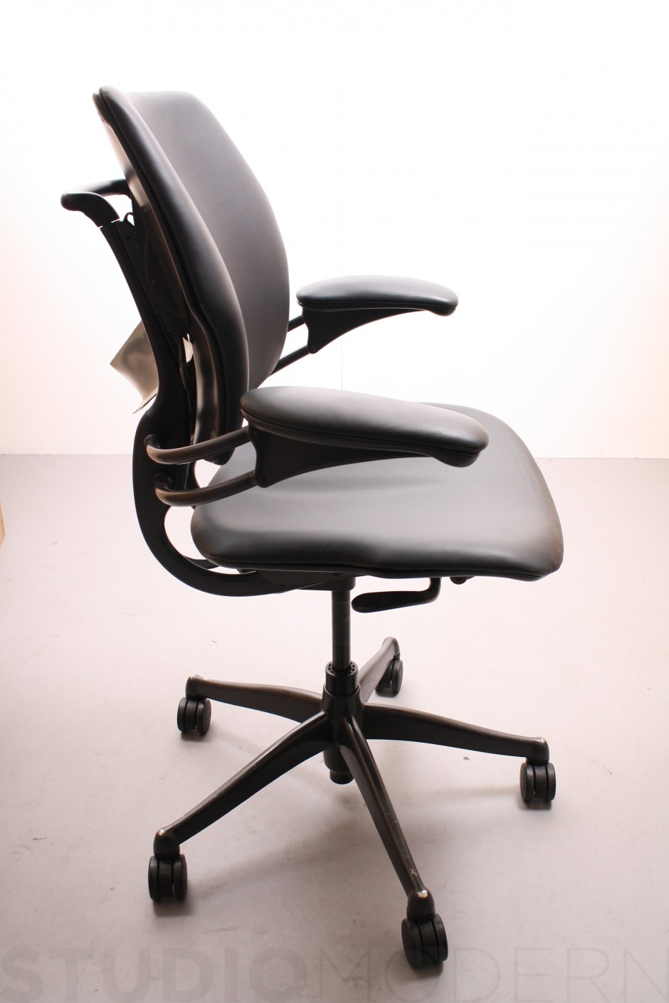 Humanscale Freedom Task | Humanscale Freedom Headrest | Humanscale Freedom Chair