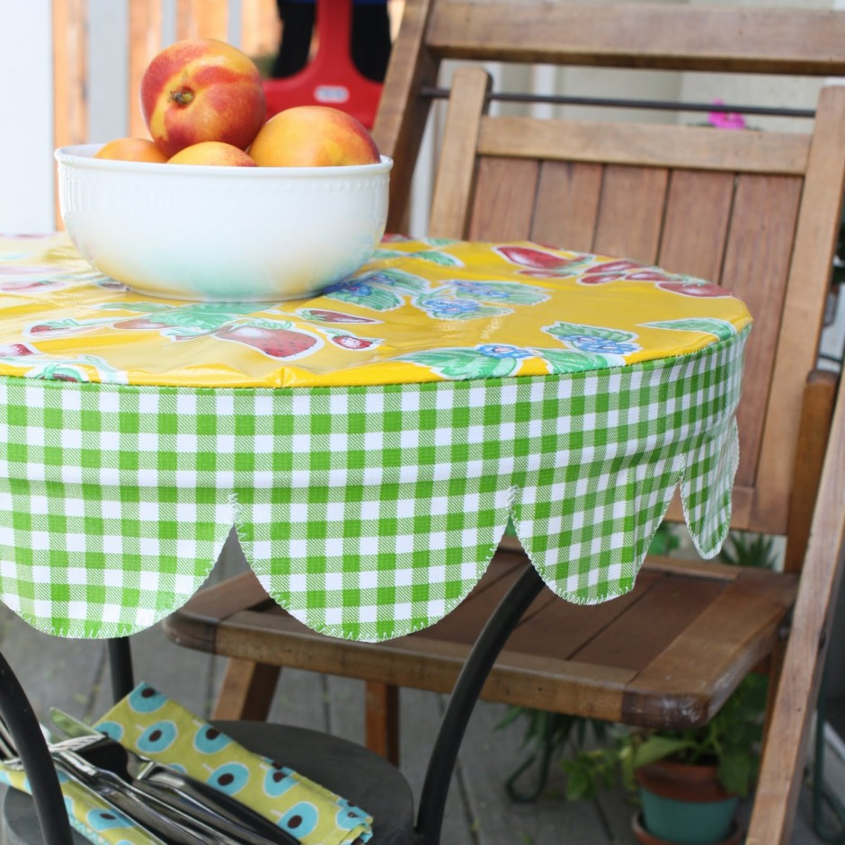 Vinyl Tablecloths | Zippered Tablecloths | Rectangle Fitted Vinyl Tablecloth