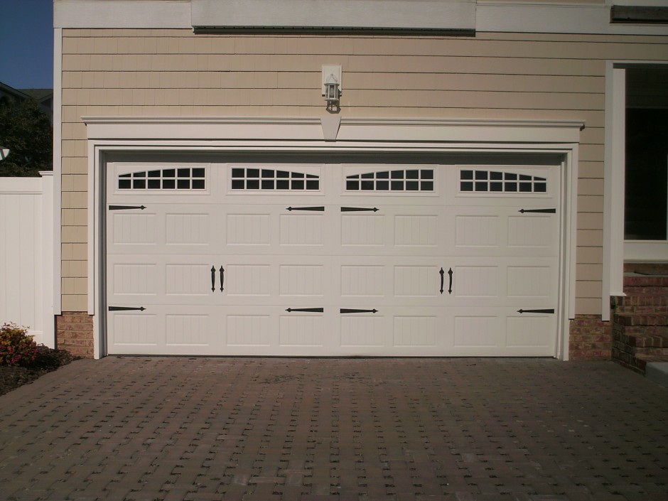 Fiberglass Carriage Garage Doors | Clopay Corporation | Clopay Troy Ohio