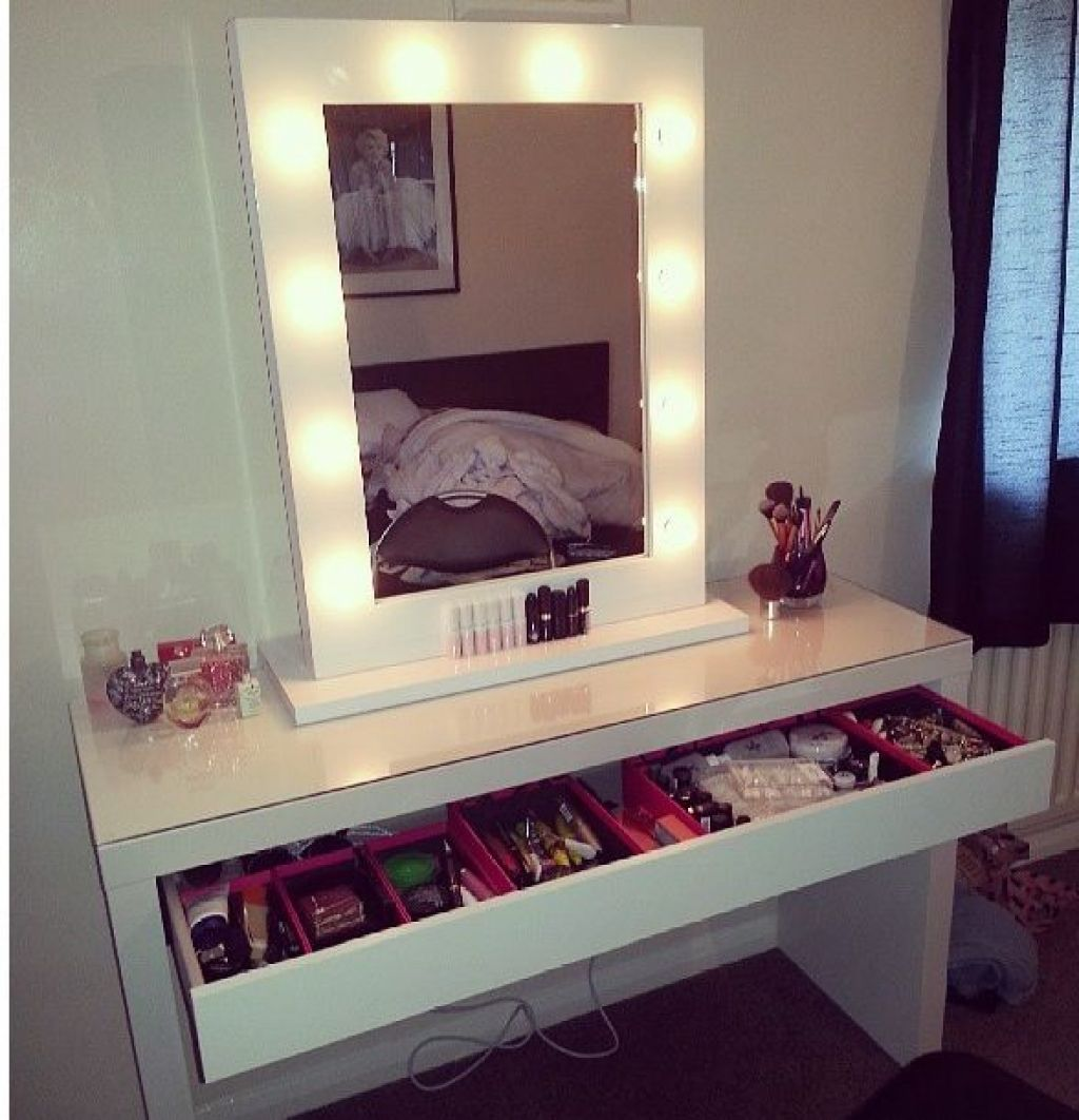 Magnifying Makeup Mirror  Diy Vanity Table with Lighted Furniture Rug