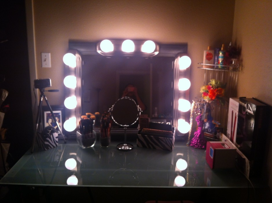 Makeup Vanity Table With Lighted Mirror | Big Lots Vanity | Mirrored Vanity Table