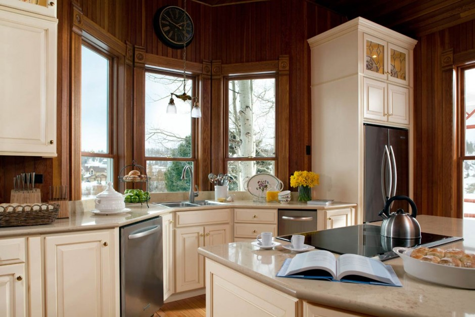 Maple Vanity Cabinets | Norcraft Cabinets | Midcontinent Cabinetry