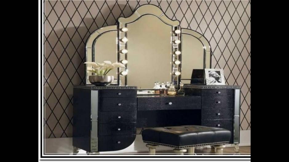 Mirrored Makeup Vanity   Makeup Vanity Table With Lighted Mirror   Vanity Dressing Table