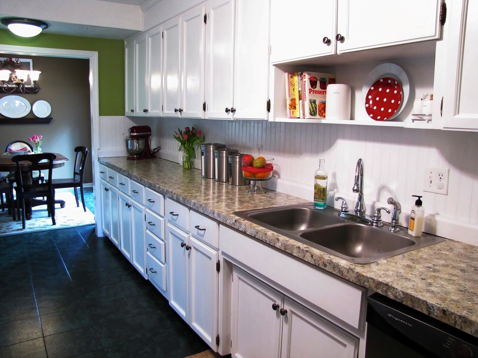Furniture & Rug Thomasville Cabinets