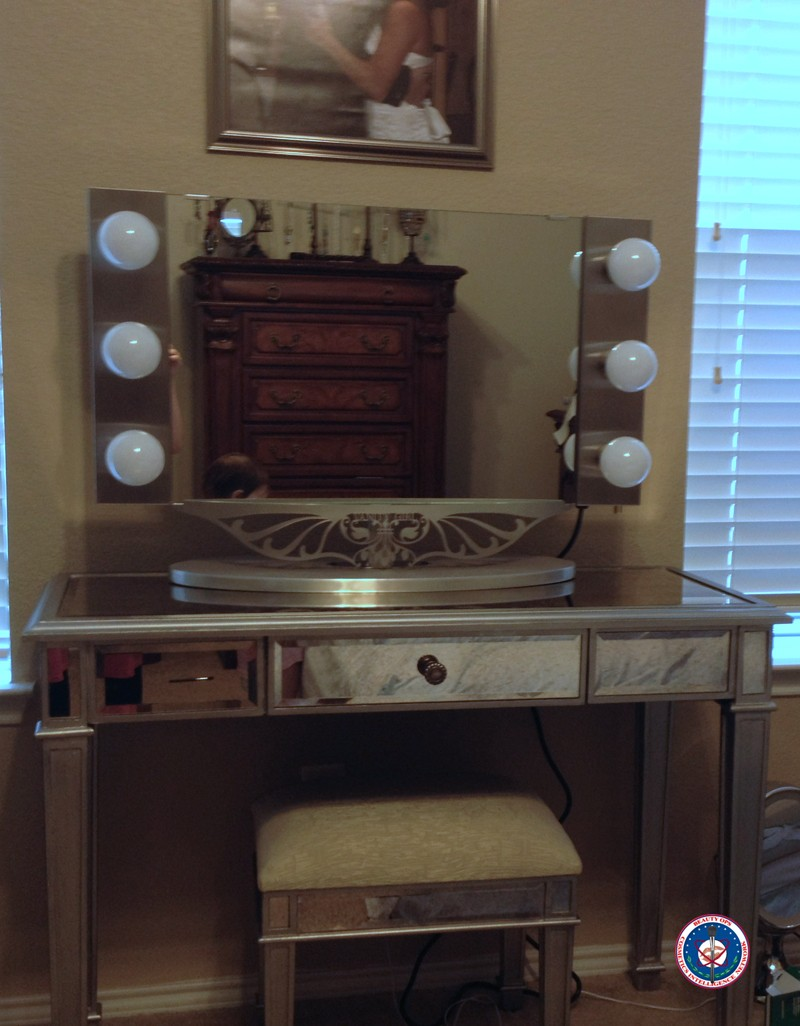 Vanity Desk With Lights | Makeup Vanity Table With Lighted Mirror | Corner Makeup Vanity